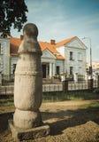 Konin, Polonia El polo más viejo - señal de tráfico en Polonia Mayor provincia de Polonia foto de archivo