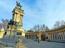 Koning Alfonso XII Monument in Parque del Buen Retiro Stock Afbeeldingen