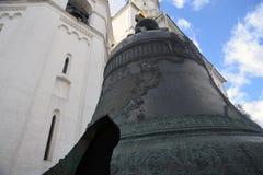 Koning Bell Het oriëntatiepunt van Moskou het Kremlin De Plaats van de Erfenis van de Wereld van Unesco stock afbeeldingen