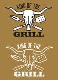 Koning van het beeld van de Grillbarbecue met koeschedel en gekruiste werktuigen Royalty-vrije Stock Foto's