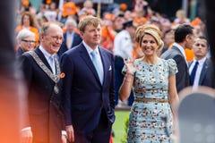 Koning Willem-Alexander en koninginmã ¡ xima van Nederland, Koning ` s Dag 2014, Amstelveen, Nederland Royalty-vrije Stock Foto