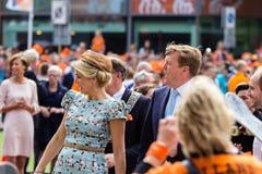Koning Willem-Alexander en koninginmã ¡ xima van Nederland, Koning ` s Dag 2014, Amstelveen, Nederland Stock Foto's