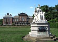 Koningin Victoria Statue, Londen Stock Afbeeldingen