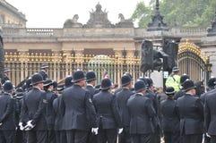 Koninklijk Huwelijk - Politie ?Engelse massa? Royalty-vrije Stock Afbeeldingen