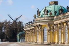 Koninklijk paleis Sanssouci in Potsdam Stock Afbeeldingen