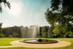 Koninklijk Park Stromovka Krà ¡ lovskà ¡ Obora Stromovka in Praag, Tsjechische Republiek Stock Fotografie