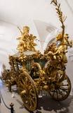 Koninklijk plechtig vervoer in het Marstall-museum Stock Foto