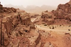 Koninklijke graven in oude stad van Petra Stock Foto