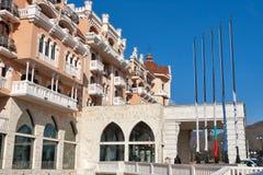 Koninklijke het hotelvoorgevel van de Kasteelluxe in Elenite, Bulgarije Stock Foto's