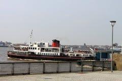 Pijler HoofdLiverpool de koninklijke van de Iris (de Veerboot van Mersey). Royalty-vrije Stock Afbeeldingen