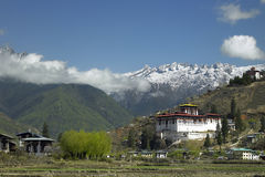 Koninkrijk van Bhutan - Paro Dzong - Himalayagebergte Royalty-vrije Stock Foto's