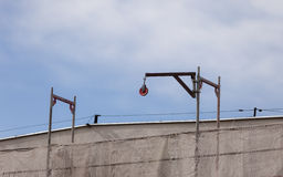 Konjunktur im Bausektor Baustelle mit Kran Lizenzfreies Stockfoto