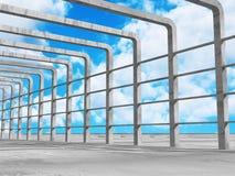 Konkret arkitekturväggkonstruktion på bakgrund för molnig himmel Royaltyfri Foto