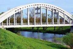 Konkret bro med den Olse floden i den Karvina staden Royaltyfri Fotografi