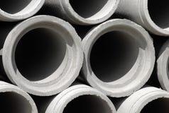 konkret konstruktionsdränering pipes lokalen Royaltyfri Fotografi