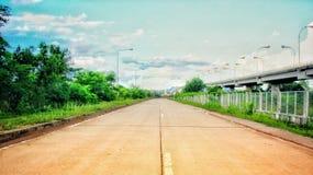 konkret väg arkivbild