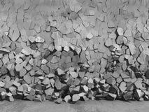 Konkreta kaotiska fragment av explosionförstörelseväggen Royaltyfri Bild