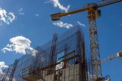 Konkrete Baustelle des Neubaus Stockfotos
