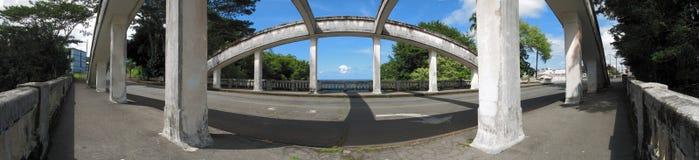Konkrete Bogen-Brücke stockbild