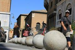 Konkrete Parkbälle in Ravenna stockbilder