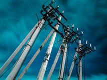 Konkrete Säulen der Hochspannungslinie lizenzfreies stockfoto