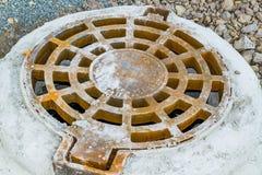 Konkrete Wasserbrunnen Lizenzfreie Stockfotos