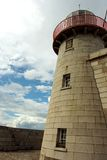 Konkreter Leuchtturmkontrollturm Stockfotos