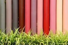 Konkreter Mehrfarbenzaun Stockbilder