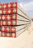 Konkreter Pfostenstapel auf Baustelle Stockbilder