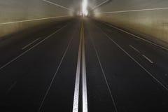 Konkreter Tunnel ohne Verkehr Lizenzfreies Stockbild