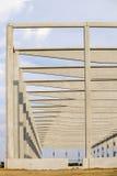 Konkretes Baudesign für industrielle Hallen Stockbild