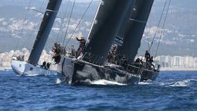 Konkurenci podczas Wally klasy regatta w Mallorca zdjęcia stock