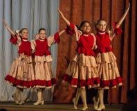 Konkurrens av den koreografiska kollektivdansen av liv i staden av Kondrovo av den Kaluga regionen i Ryssland i 2016 Arkivbilder