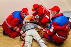 Konkurrens av nöd- medicinska lag i Uzhhorod Arkivbilder