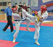 Konkurrens på kyokushinkaikarate. Royaltyfri Foto