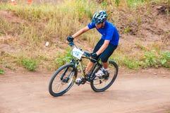 Konkurrenscyklister Fotografering för Bildbyråer
