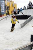 Konkurrenser i en snowboard, Tyumen Arkivbild