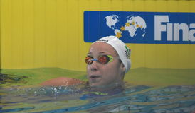 Konkurrenskraftig HUN för simmare VERRASZTO Evelin Arkivfoto