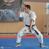 Konkurrenter som deltar i den europeiska karatemästerskapet Fudokan Arkivbild