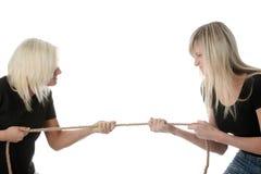 Konkurrenz mit zwei Frauen stockbild