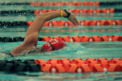 Konkurrenzschwimmer Stockfotos