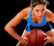 Konkurrierender Basketball-Spieler Stockfotos