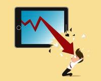 Konkurskonzept, roter Pfeilabbruchs-Tablettenschirm Stockfotografie
