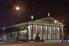 Konnogvardeisky大道的陈列竞技场雪夜 免版税库存图片