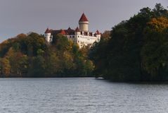 Konopiste Schloss im Herbst Stockbilder