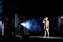 Konsert av den populal franska sångaren Zaz på den Francofolies festivalen i Blagoevgrad, Bulgarien 18 06 2016 Arkivfoto