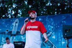 Konsert av den ukrainska rapkonstnären Yarmak May 27, 2018 på festivalen i Cherkassy, Ukraina Fotografering för Bildbyråer