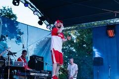 Konsert av den ukrainska rapkonstnären Yarmak May 27, 2018 på festivalen i Cherkassy, Ukraina Royaltyfri Fotografi