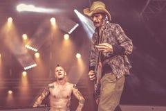 Konsert 2016 för hardcore musikband för urladdningspunkrock levande royaltyfria foton