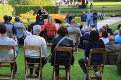 Konsert för levande musik i parkera i staden Rotterdam i sommaren Royaltyfri Fotografi
